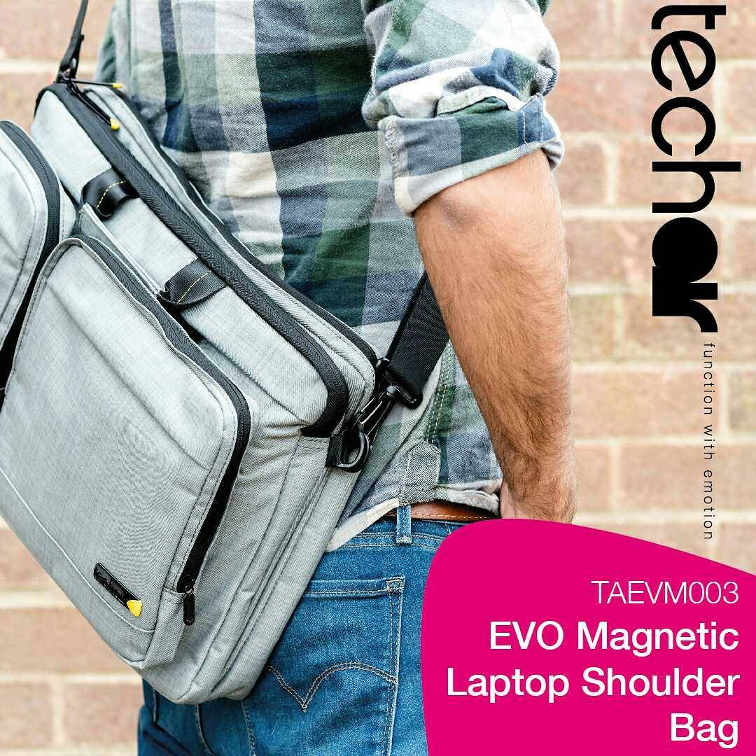 Customise Your Work Bag To Your Day The Evo Features Magnetic Pockets That Can Be Removed As Well As Our Signature Faux Fur Lining Bag Laptop Accessories Computer Luggage Style Http Zurl Co Kjlb