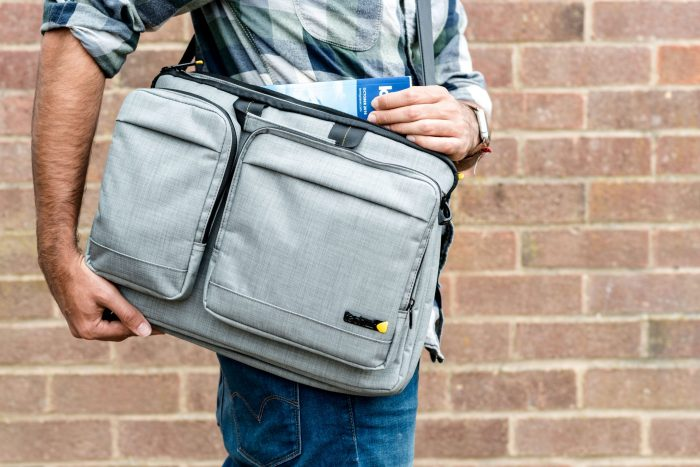 "15.6"" Evo shoulder bag lifestyle image from techair TAEVM003"